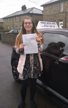 Huge congratulations go to Naomi, who passed her driving test today in Buxton at the first attempt. She joins my exclusive club of passing both theory and driving test first time. It´s been an absolute pleasure taking you for lessons. Enjoy your independence and stay safe.